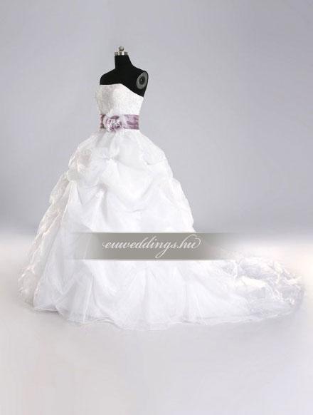 Esküvői ruha báli fazonú ujjatlan-BFU-4943