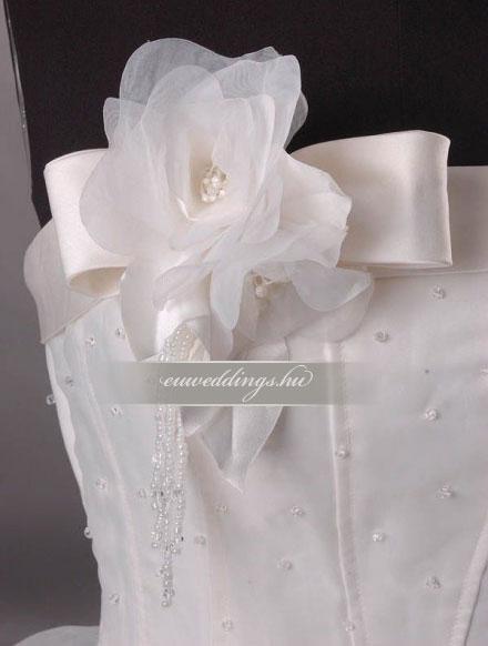 Esküvői ruha báli fazonú ujjatlan-BFU-4948