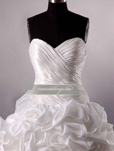 Esküvői ruha báli fazonú ujjatlan-BFU-5068