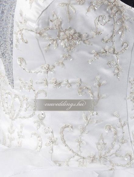 Esküvői ruha báli fazonú ujjatlan-BFU-5638