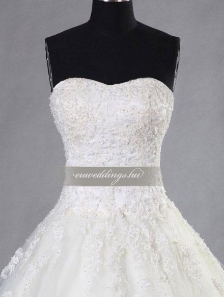 Esküvői ruha báli fazonú ujjatlan-BFU-5901