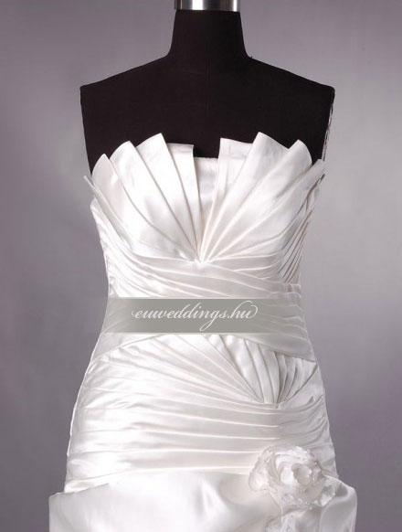 Menyasszonyi ruha csípőtől bővülő pántos-CBP-6838