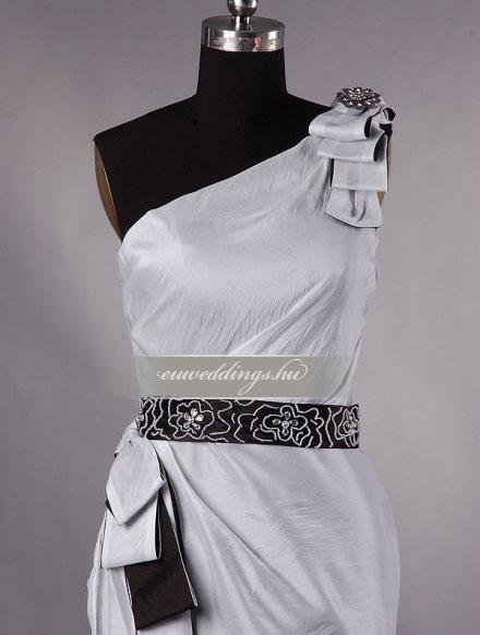 Esküvői ruha egyenes fazonú pántos-EFP-8013