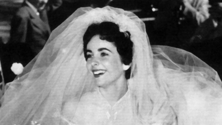Elizabeth Taylor menyasszonyi ruhája